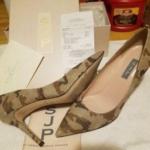 Used Sarah Jessica Parker camouflage pumps